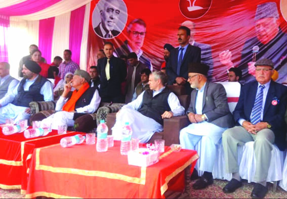 Country fighting decisive battle against Modi govt: Dr. Farooq