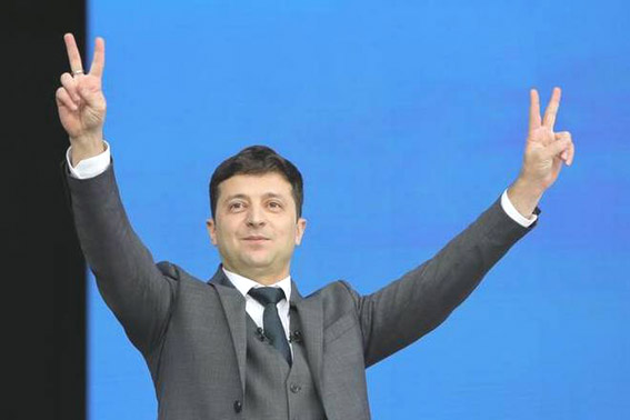 Fed up with status quo, Ukrainians may elect comedian in presidential run-off