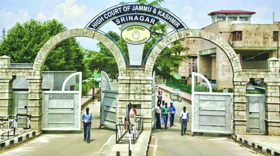 Court issues notice to MS SKIMS over circulation of medical report