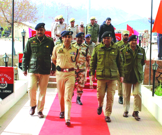 IGP visits Kargil, chairs meeting to review poll preparedness