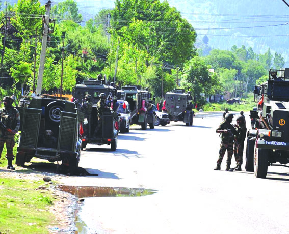 Army officer, militant killed; 3 soldiers injured in Anantnag gunfight