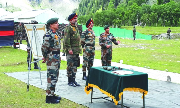 Northern Army Commander reviews security arrangement for Amarnath yatra