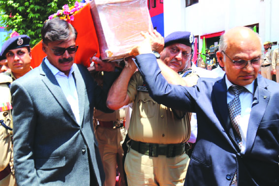 Wreath-laying ceremony of SHO Arshid Khan held