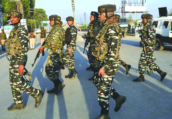 Over 200 CRPF men quarantined in Kashmir