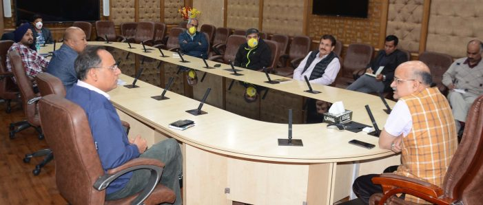 Chief Secretary reviews status of  Jammu-Srinagar highway