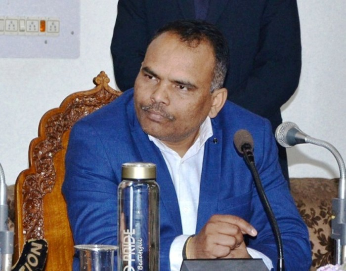 No choice now but to ease restrictions: Div Com Kashmir