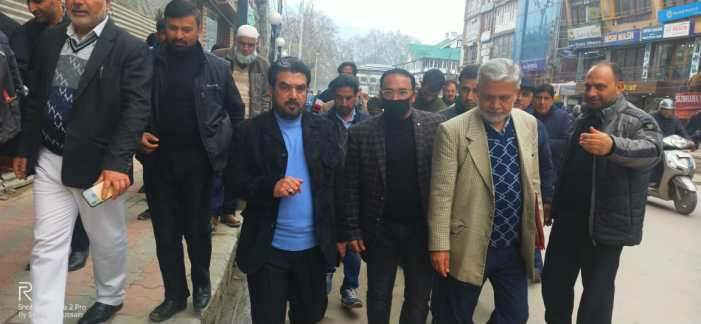 Commissioner SMC tours Qammarabad, adjoining areas