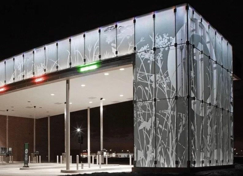5 Reasons Decorative Glass Films are Preferred for Privacy & Branding