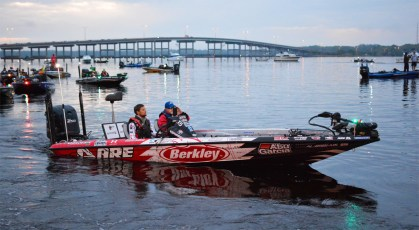 5 Berklely pro Justin Lucas heads out on the St. Johns River
