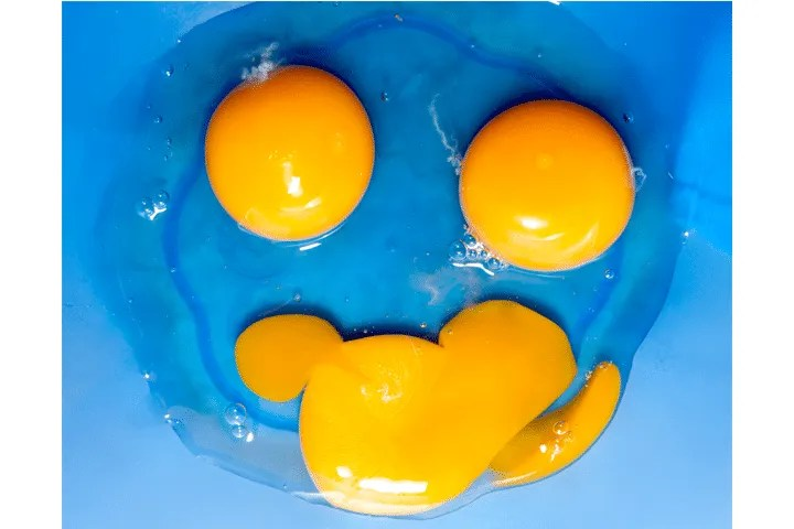 Foods to Avoid Giving Your Baby During the First Year: Raw Egg