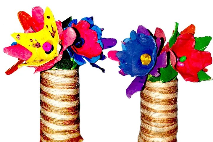 East egg carton and toilet paper flower craft for kids!