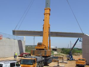 Foto de montaje de un puente