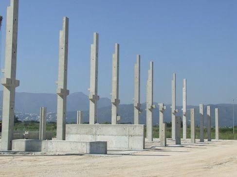 Foto de Pilares en una obra prefabricada