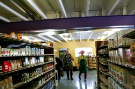Maureen Wijnen, kitchen manager, helping a shopper. (Preface photo/Izza Jatala)