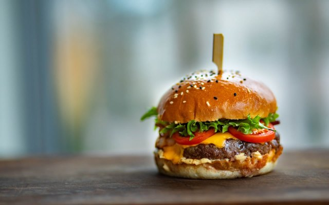 Burgers - 5 Unhealthy Fast Foods