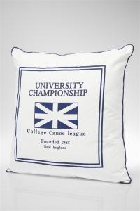Kare Kissen University 45 x 45 cm Stoff weiß