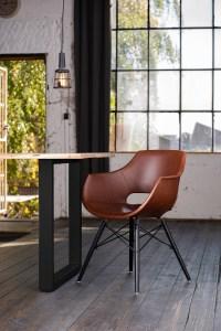 KAWOLA Essgruppe 5-Teilig mit Esstisch Baumkante Fuß schwarz 140x85cm und 4x Stuhl ZAJA Kunstleder cognac