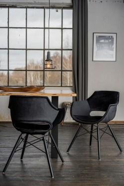 KAWOLA Essgruppe 9-Teilig mit Esstisch Baumkante nussbaumfarben Fuß schwarz 200x100cm und 8x Stuhl ZAJA Velvet schwarz
