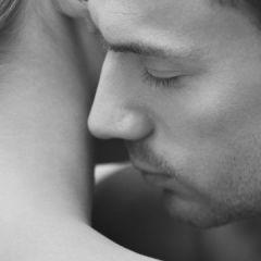 Мисли кои на секој маж му поминуваат низ глава за време на сексот, но никогаш нема да признае