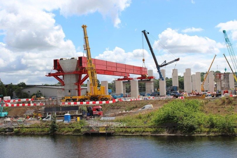 Biggest Ever Mersey Gateway Lift Sees New MSS Fixed Into Place