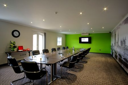 Lion Quays Hotel & Spa Offering New Online Booking at The Cabinet Rooms