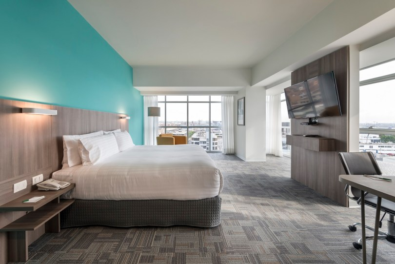"""IHG® (InterContinental Hotels Group), one of the world's leading hotel companies, today announces the opening of the new-build, 179-room Holiday Inn® Lima Airport hotel, just five minutes from Jorge Chavez Lima International Airport. The two-tower, eight-story property is the second brand IHG has introduced in the capital city of Lima. Gerardo Murray, Regional Vice President of Brands & Marketing, Mexico, Latin America and Caribbean, IHG, said: """"We are thrilled to bring the joy of travel to Lima through the Holiday Inn brand. This hotel is a great fit for guests who are looking for a fun, comfortable and affordable option that is strategically located near the international hub. The new Holiday Inn Lima hotel is the ideal option for both business and leisure travelers going to and from this dynamic destination."""" Holiday Inn hotels are designed to provide a welcoming and sociable environment for travelers spending time away from home. The hotel's amenities include an indoor swimming pool, fitness center, free airport shuttle transfers, nine meeting rooms that can accommodate up to 500 guests, as well as fast, reliable Wi-Fi with IHG® Connect. The hotel also boasts several dining options including Callao Restaurant, which serves local and international dishes, 24-hour room service and the San Lorenzo Lobby Bar. Emilio Pinasco, General Manager, Holiday Inn Lima Airport, said: """"We are very proud to be growing our portfolio of hotels with IHG. The Holiday Inn brand is recognized worldwide for its commitment to providing warm and friendly stays for all guests, making this the ideal property for any traveler visiting our nation's capital."""" The Holiday Inn brand opened the doors of its first hotel more than 65 years ago and since then has been making travel more enjoyable for generations of travelers all over the world. Whether on the journey of a lifetime, a family vacation or business, guests know they can expect the contemporary design, modern amenities and warm, welcomi"""