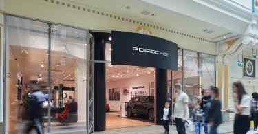 Porsche Launches AR Experience at intu Trafford Centre