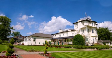 Thornton Hall Awarded Prestigious AA Silver Star Award