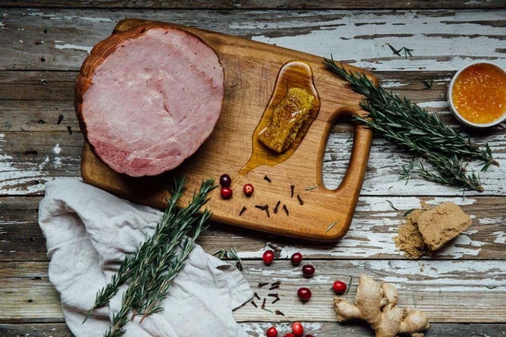 honey glazed ham recipe holiday thanksgiving dinner ideas gift ham fresh pork delivery sustainable meat high quality pork ham smoked