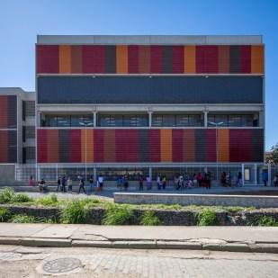 Escola Nova Cumbica I Arquitetos Responsável: Pablo Emilio Robert Hereñú