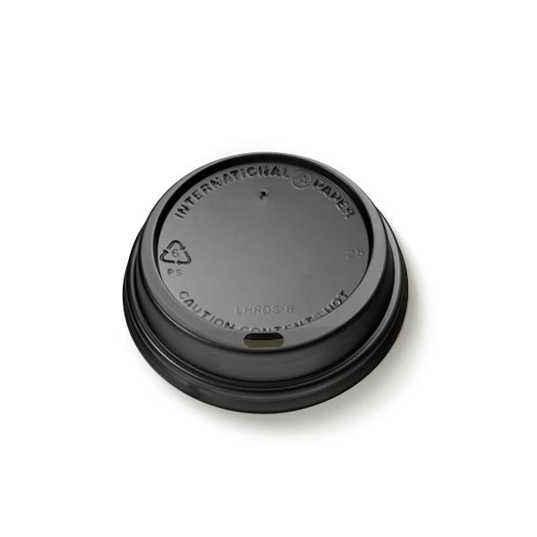 Plastic deksel voor kartonnen koffiebekers 200cc, uitgevoerd in het zwart met een drinktuitje
