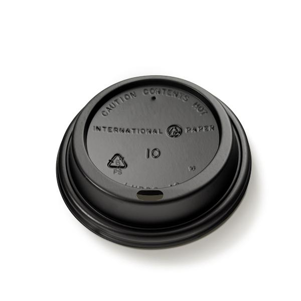 Plastic deksel voor kartonnen koffiebekers 225cc, uitgevoerd in het zwart met een drinktuitje