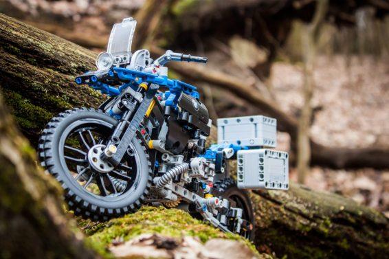 lego-technic-bmw-30