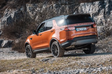 Nowy Land Rover Discovery w terenie