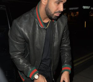 MTV VMA 2016: Drake Trips on Rihana's dress backstage