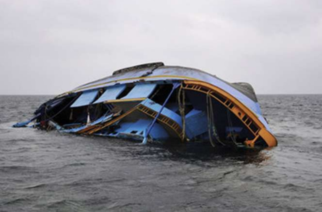 16 die as boat capsizes in India