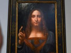 "Leonardo da Vinci's ""Salvator Mundi"" becomes the most expensive painting to ever sell at auction for $450.3 million"