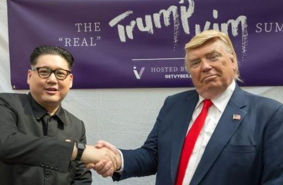 President Trump and Kim Jung-Un lookalikes hold mock Singapore summit (PHOTO)