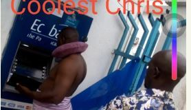Man Spotted In Towel Withdrawing Money From A Cash Machine In Lagos