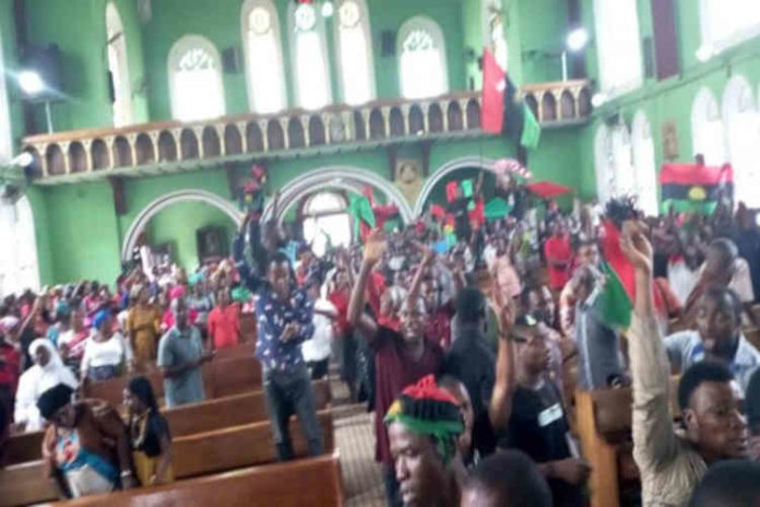 Biafra News: IPOB Members Disrupt Church Service In Abia Over 2019 (Video)