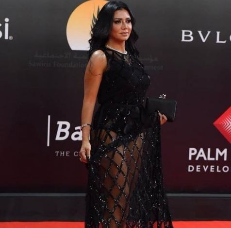 Rania Youssef to face trial for wearing a revealing dress to the Cairo Film Festival