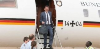 Gerd Mueller stranded in Zambia after plane breaks down