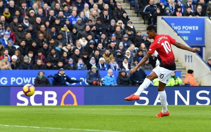 Rashford fires Manchester United to win over Leicester