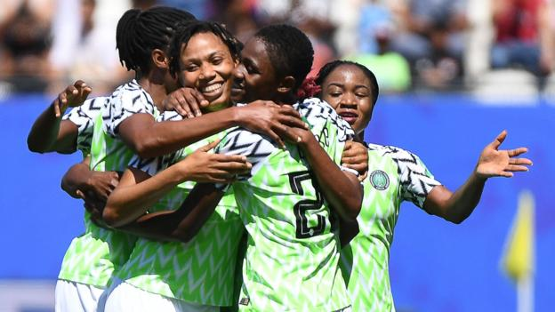 Nigeria beat South Korea 2-0