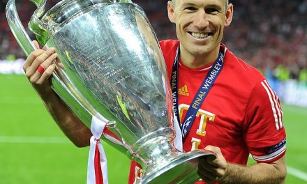 Arjen Robben announces his retirement from football at the age of 35