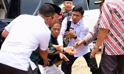 Indonesia's security minister stabbed by 'IS radical'