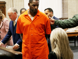 R Kelly had sexual contact with underage boy as well as girls