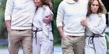 Ben Affleck and Jennifer Lopez pack on the PDA as they arrive in the Hamptons