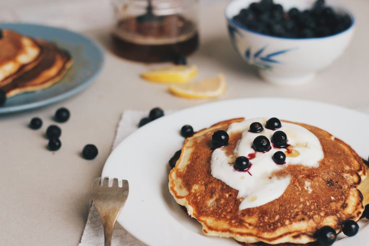 Pancakes with cottage cheeses and blueberries