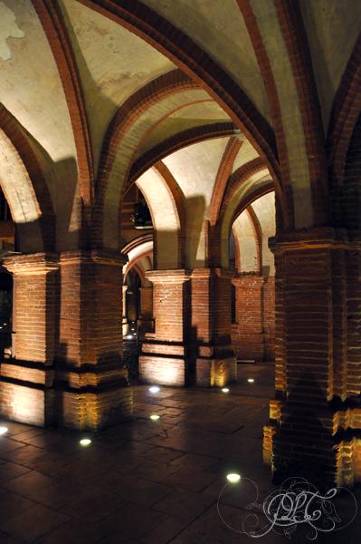 Montauban Place Nationale de nuit arcades